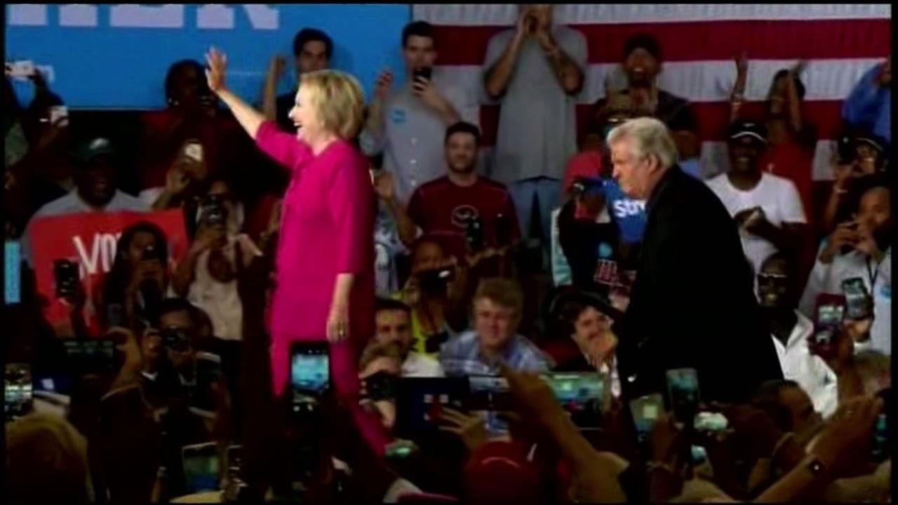This image shows Hillary Clinton campaigning.