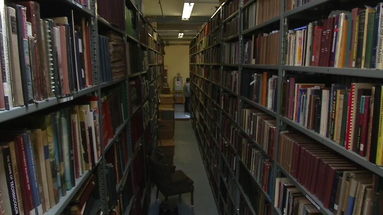 This image shows the Prelinger Library in San Francisco.