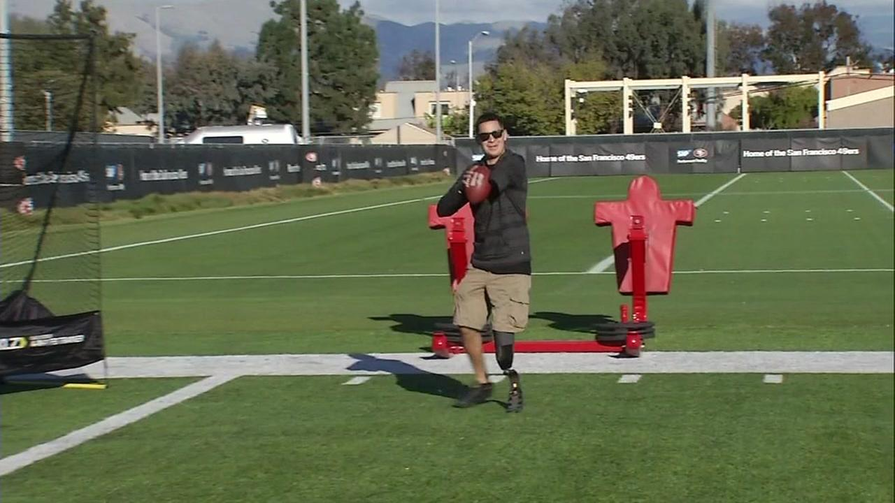 This image shows veteran Geoffery Quevedo practicing with the San Francisco 49ers on Nov. 21, 2016.