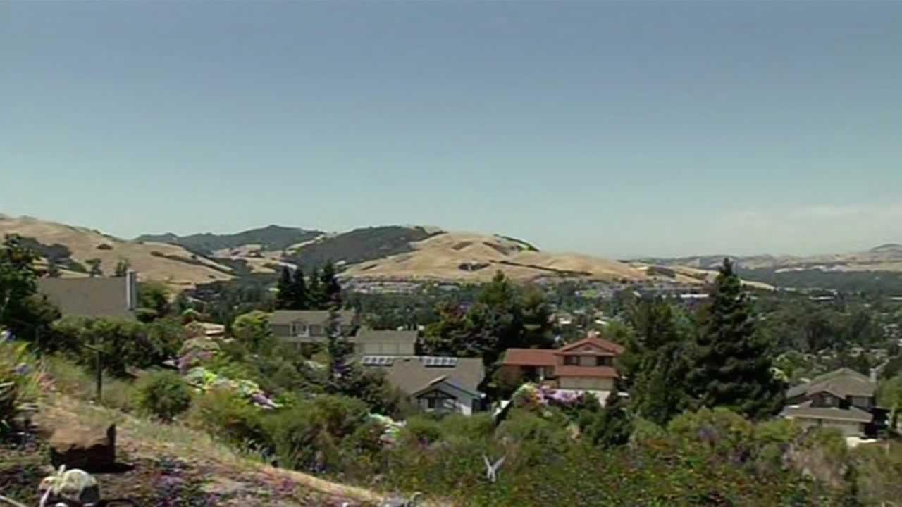 Hundreds of San Ramon residents plan to show up Tuesday night for a city council meeting to complain about a controversial new home development proposal.