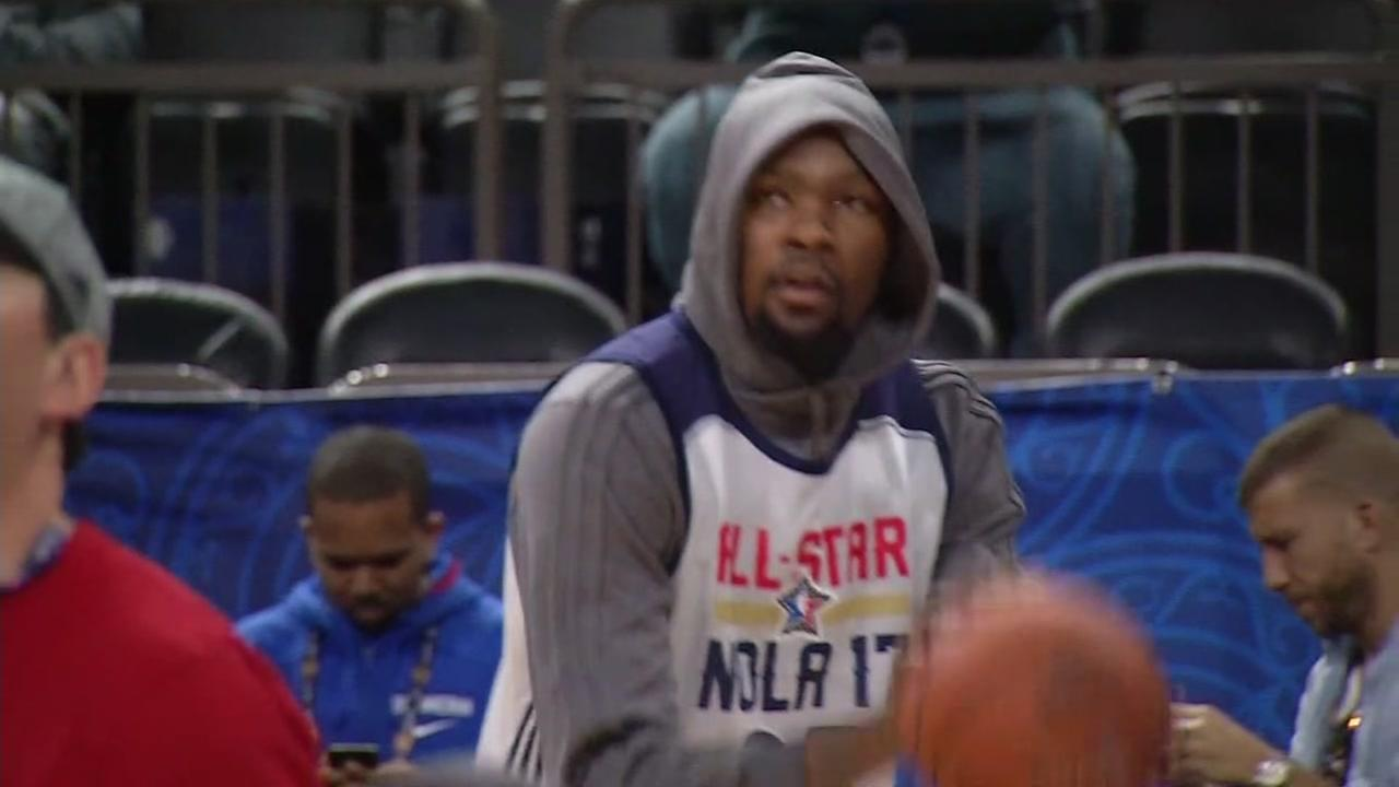 Kevin Durant is seen practicing in New Orleans, Louisiana on Saturday February 18, 2017.