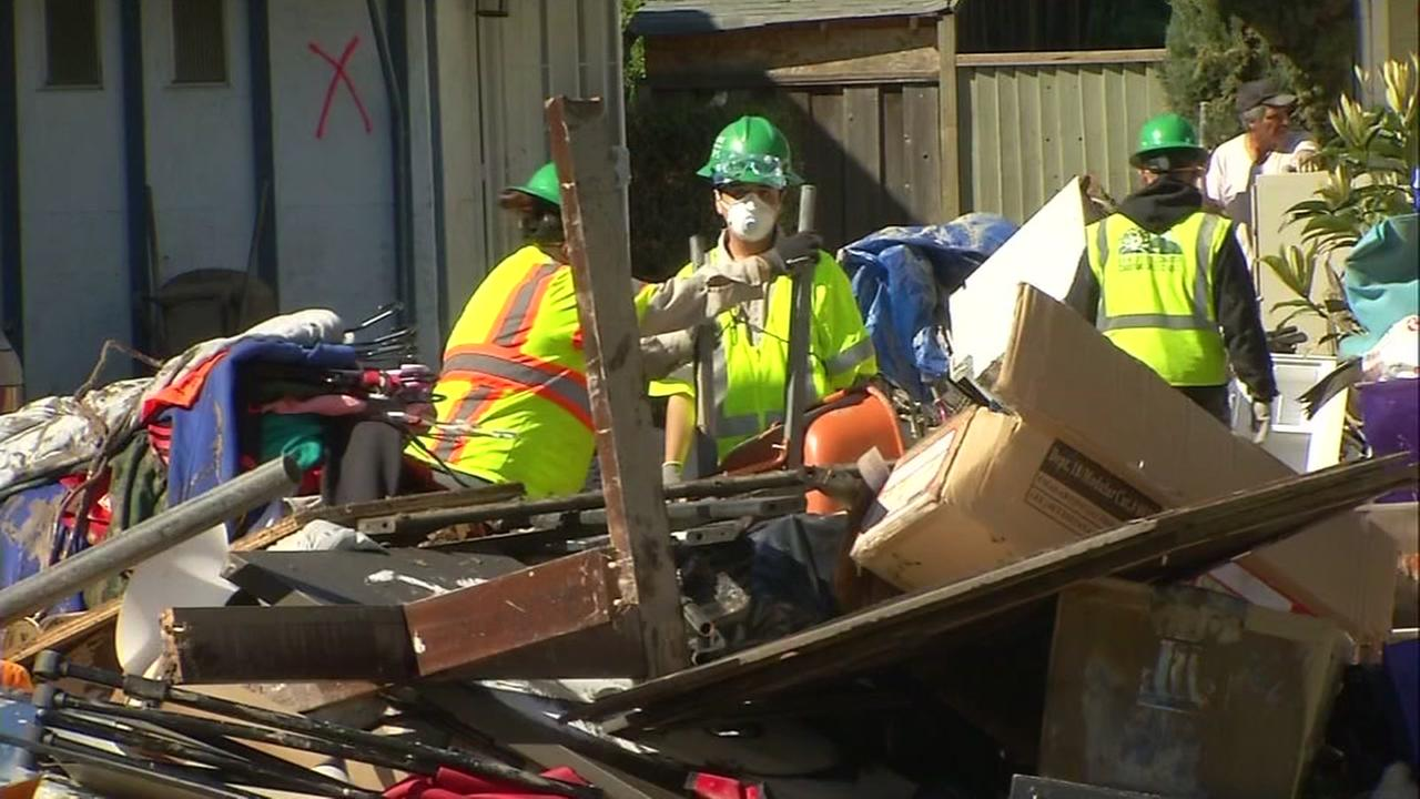 San Jose residents clean-up in Rockspring