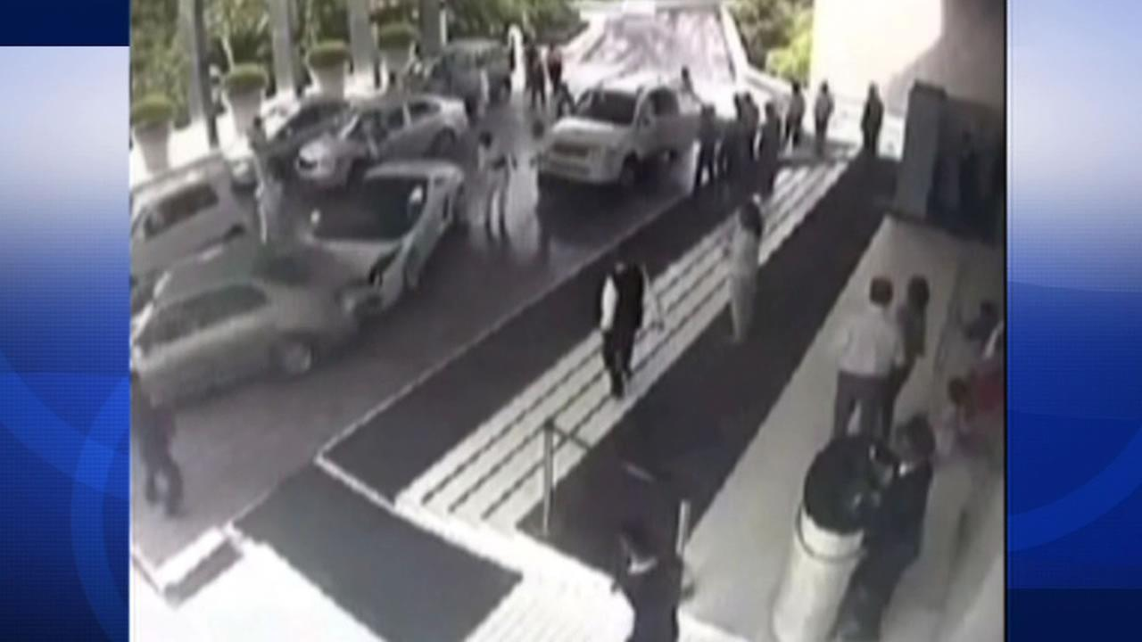 A valet at a hotel in India caused a serious fender-bender when he lost control of a guests Lamborghini.
