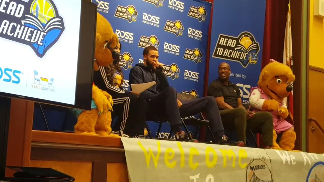 Warriors read to children at Oakland elementary school
