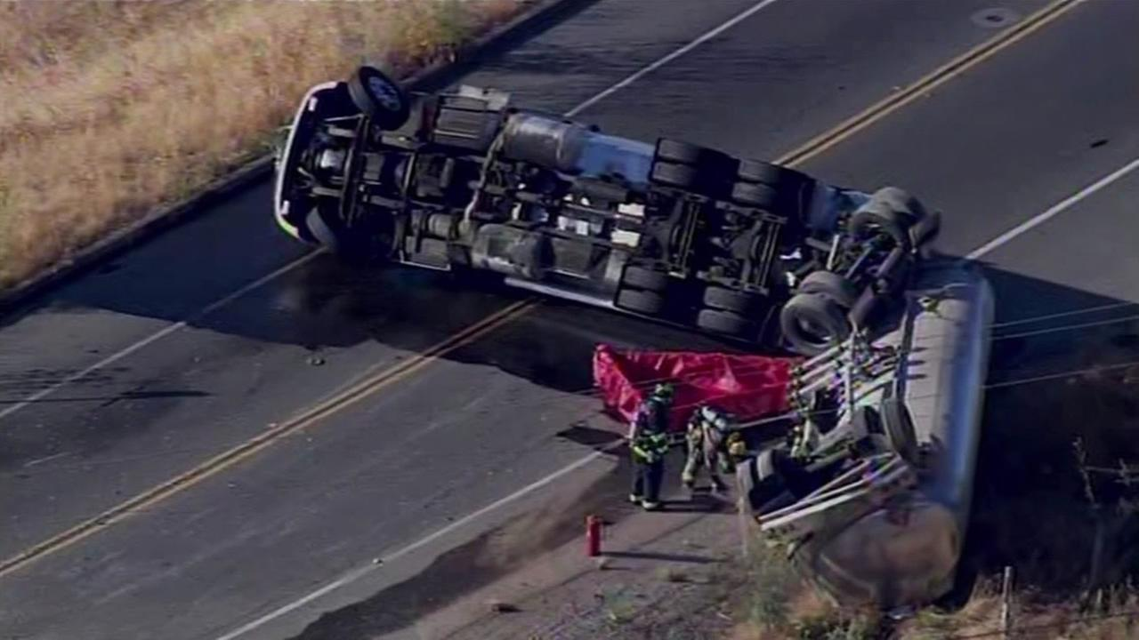 Overturned tanker crash spills fuel on Sir Francis Drake Boulevard