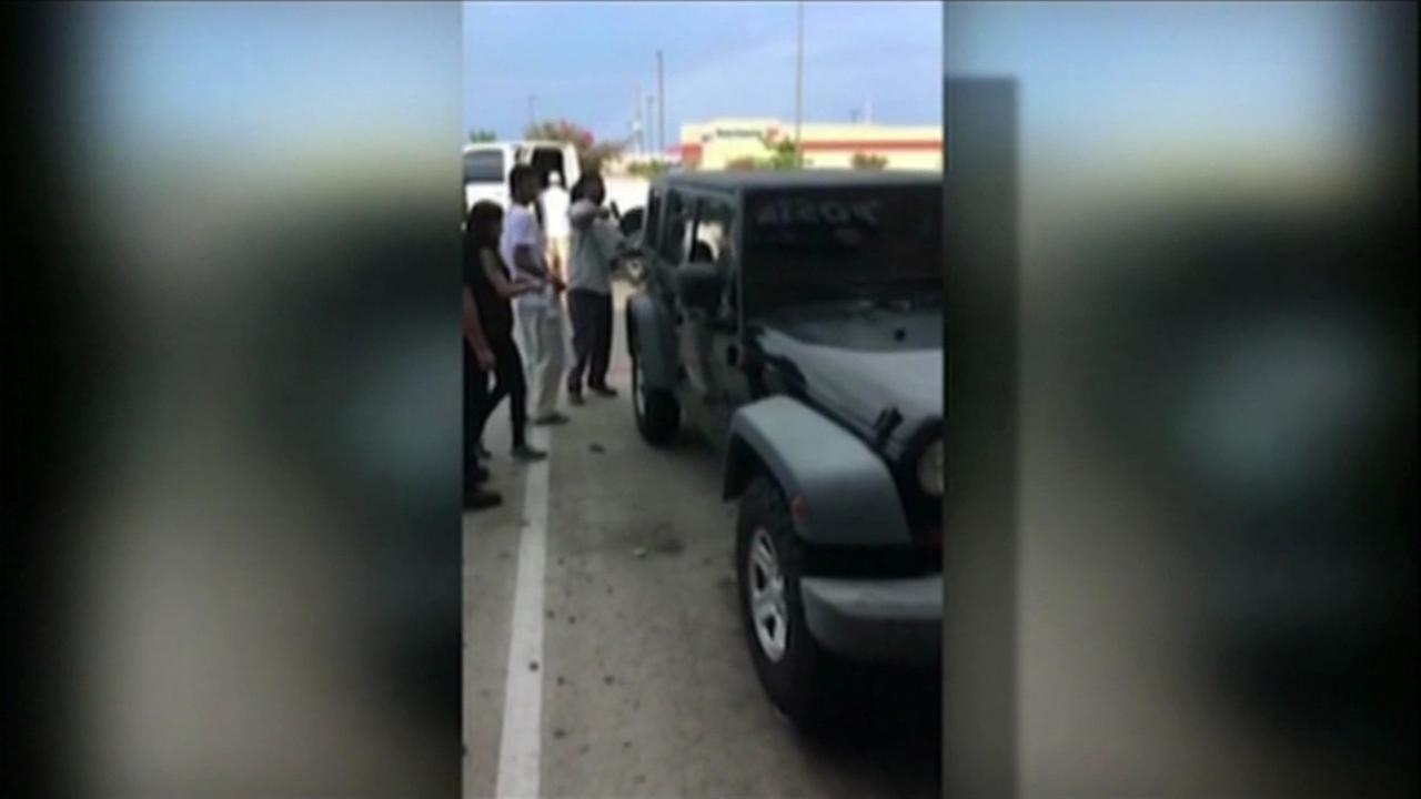 Shoppers at strip mall in Texas save kids locked inside hot car
