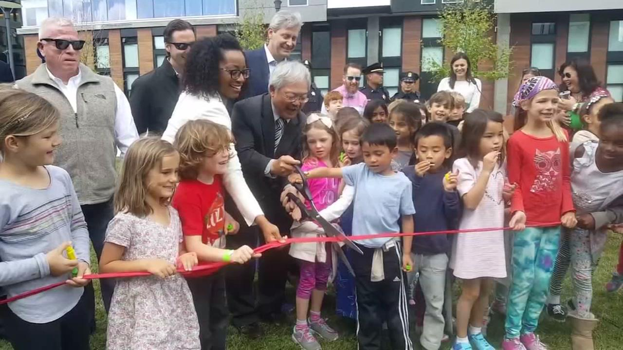 Ribbon-cutting ceremony for Daggett Plaza in SF
