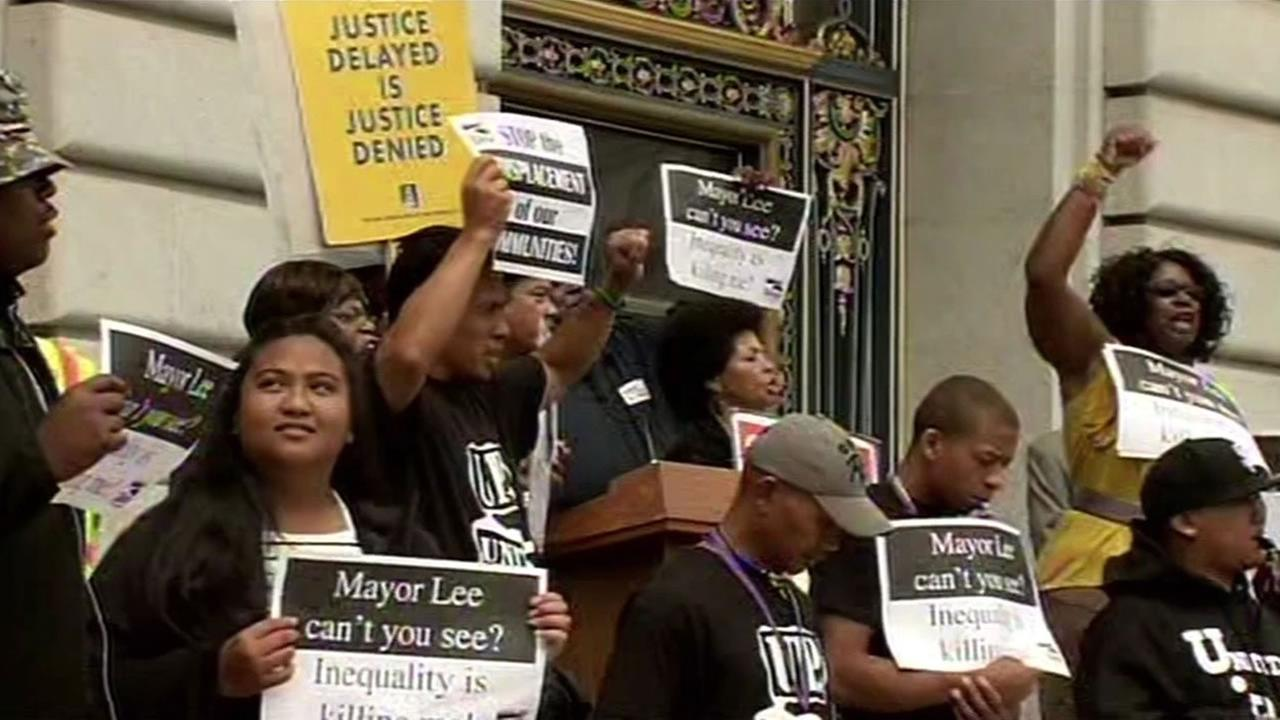 Protesters at San Franciscos City Hall