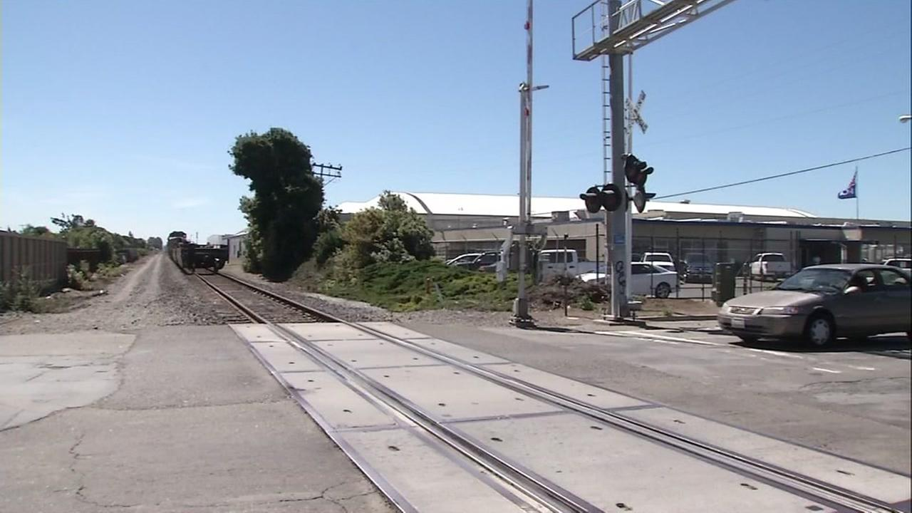 Juvenile killed in pedestrian vs train accident in San Lorenzo