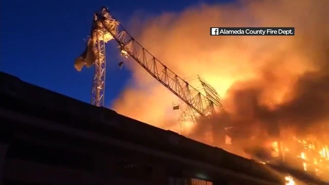 Crane removed from scene of massive 5-alarm fire near Oakland-Emeryville border