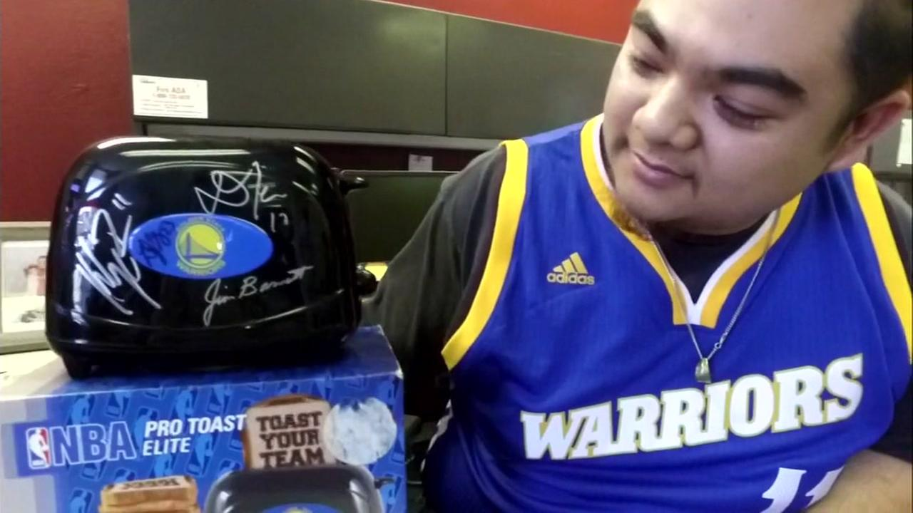 Created At 2017 06 02 0749 Tcash Vaganza 28 Vr Box Case Virtual Reality Glasses V 20 Miamiheraldcom Golden State Warriors Fan Says His Lucky Toaster Responsible For Dubs Last Games