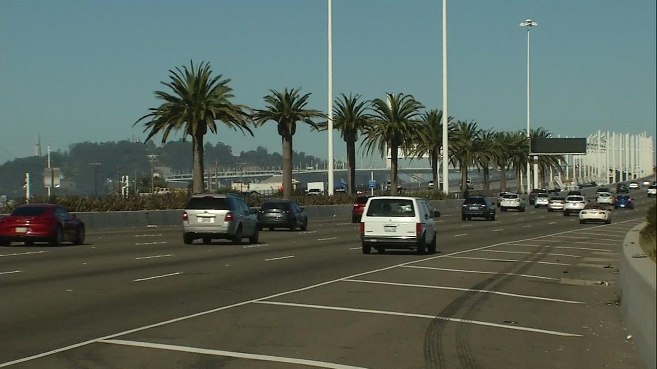 All lanes reopen after complete shut down of eastbound Bay Bridge