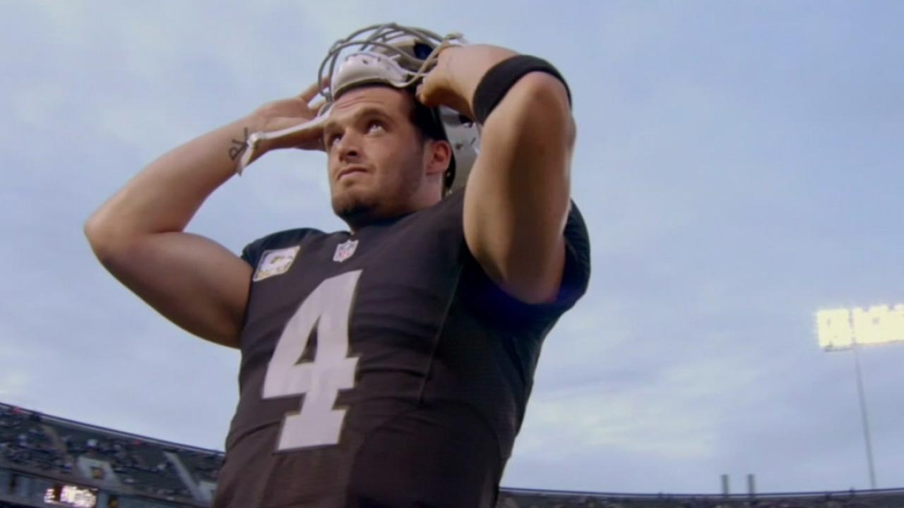 Derek Carr signs biggest deal in NFL history with Oakland Raiders