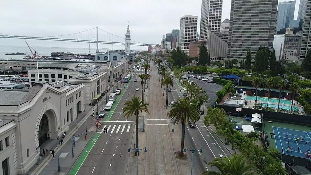 This is an undated image of San Franciscos Embarcadero.