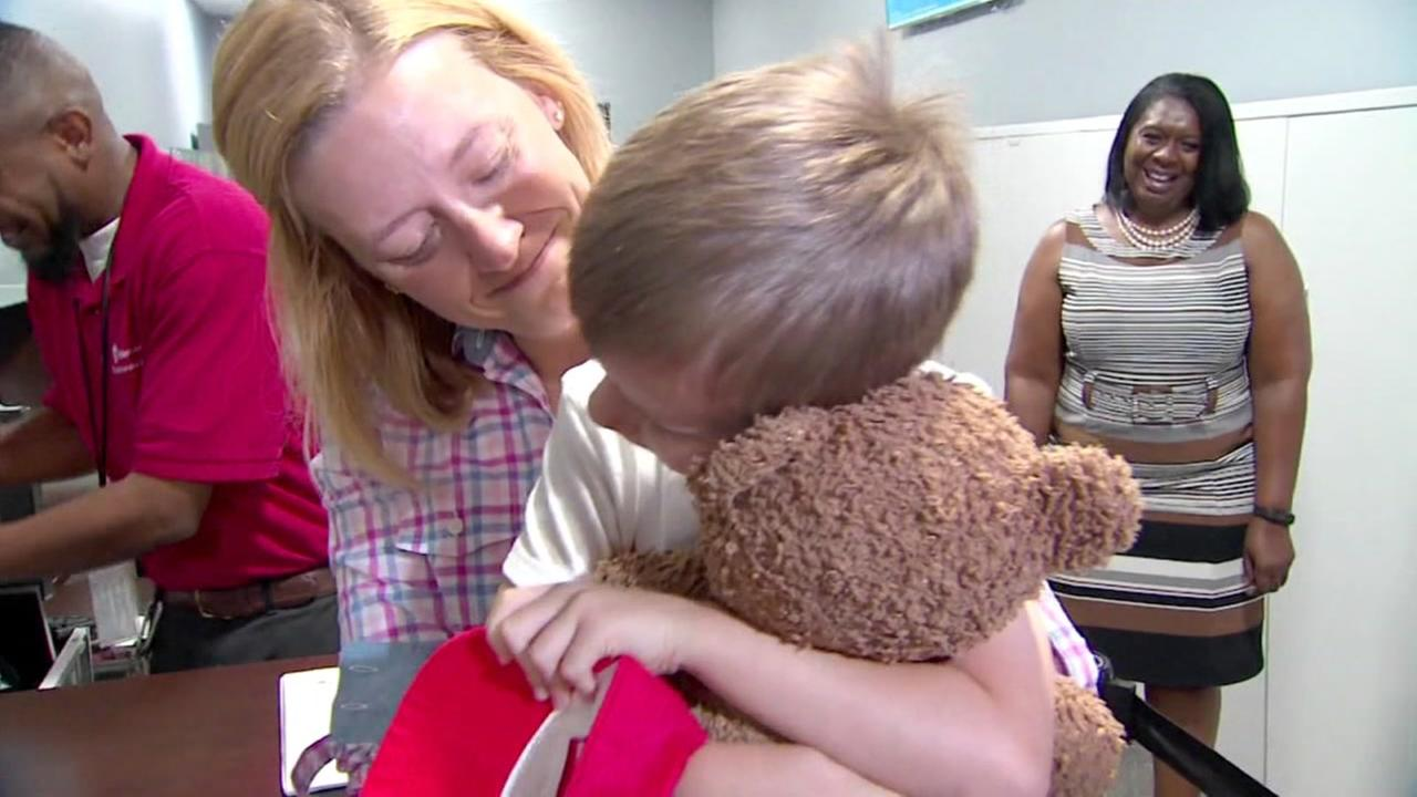 4-year-old boy reunited with teddy bear at Texas airport