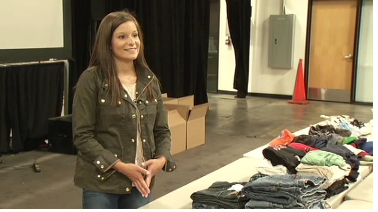 Local teen collects clothes to ship to Mexicos border to help immigrants