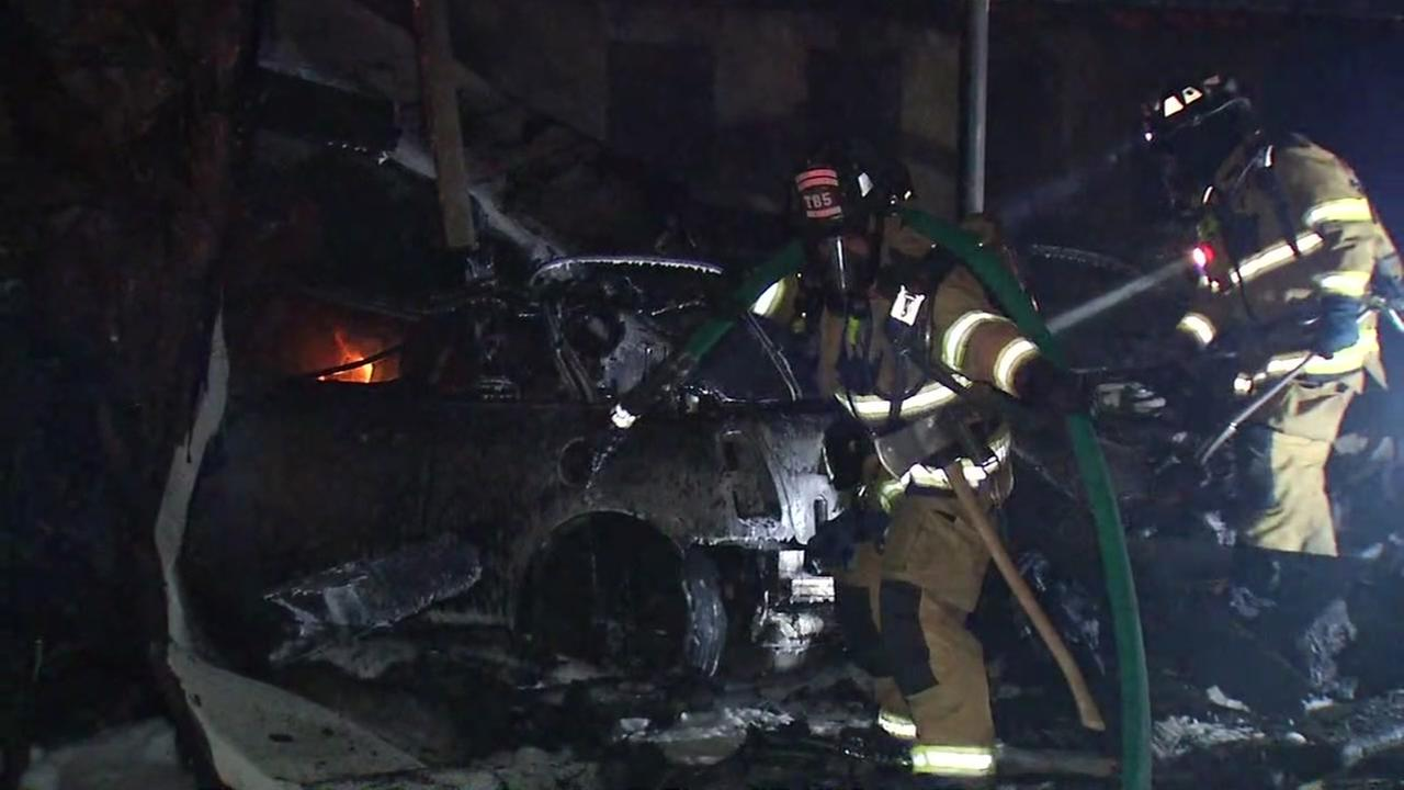 Crews extinguish carport fire that left 16 vehicles destroyed in Campbell