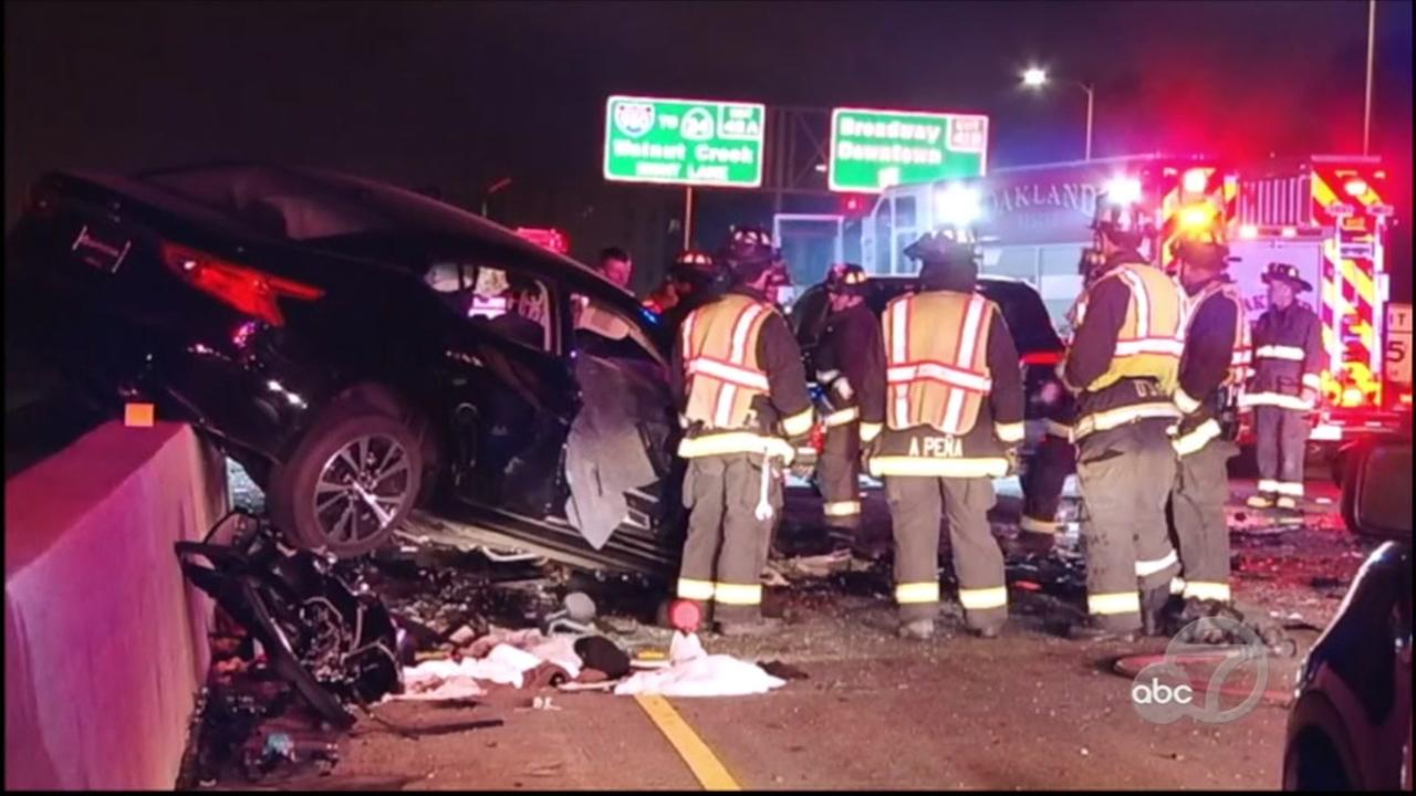 Two killed in wrong-way driving crash on 880 in Oakland