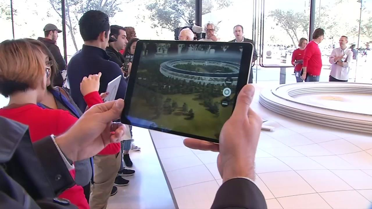 Spaceship Tours: Apple's New $108 Million Visitor Center Now Open