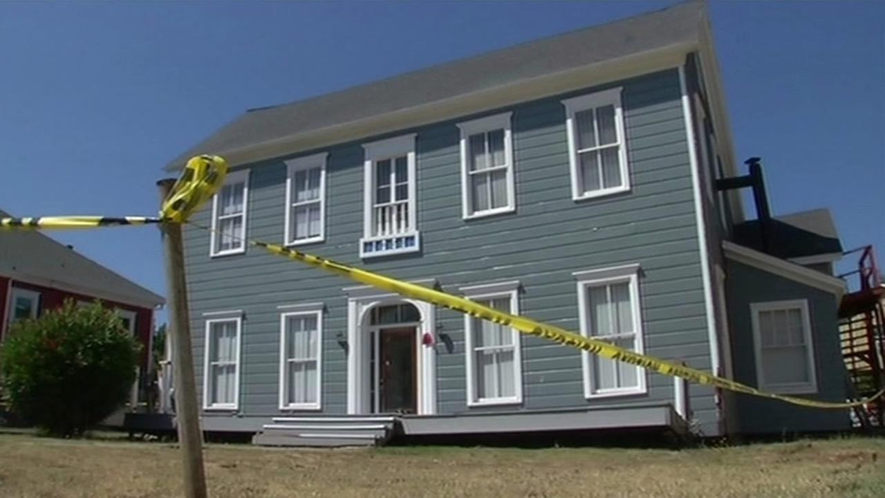 19th century building damaged by Napa earthquake