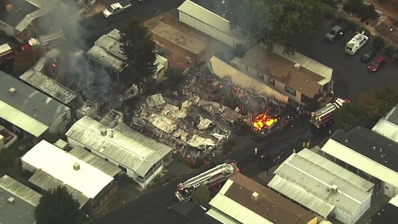 3 mobile homes on fire at the Napa Valley Mobile Home Park