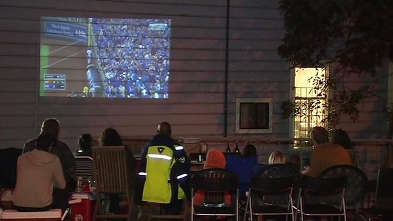 Bernal Heights neighbors in San Francisco get creative to watch Giants game