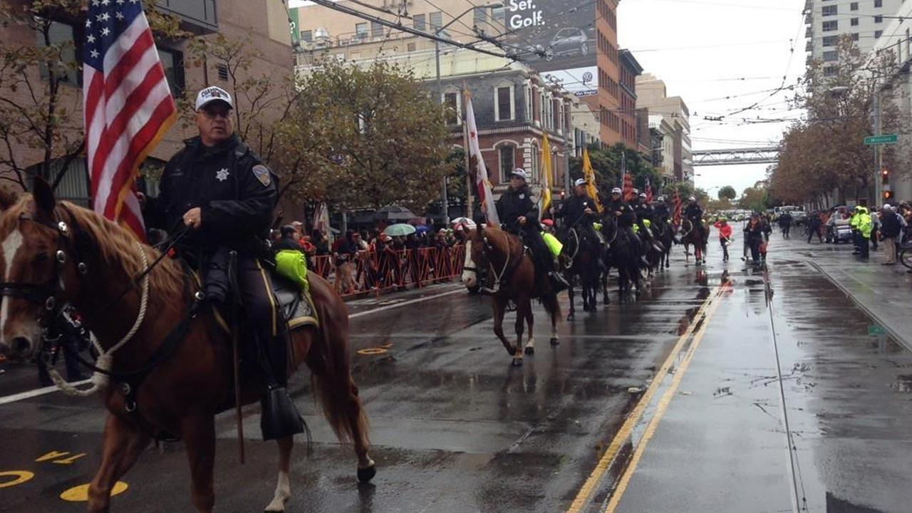 San Francisco police help kickoff the Giants World Series parade.