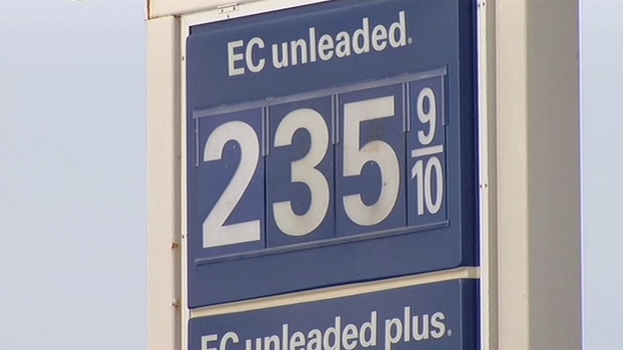 Gas prices dip across Bay Area
