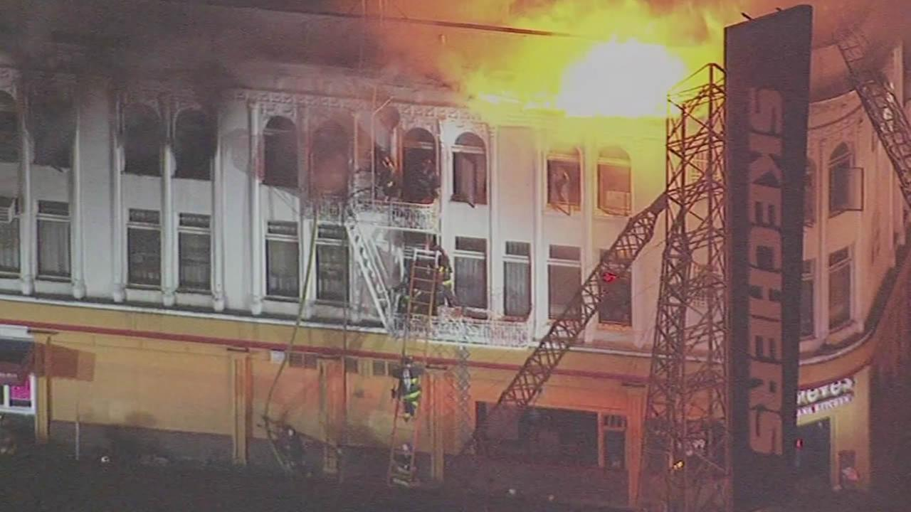 Mission District 4-alarm fire at apartment building