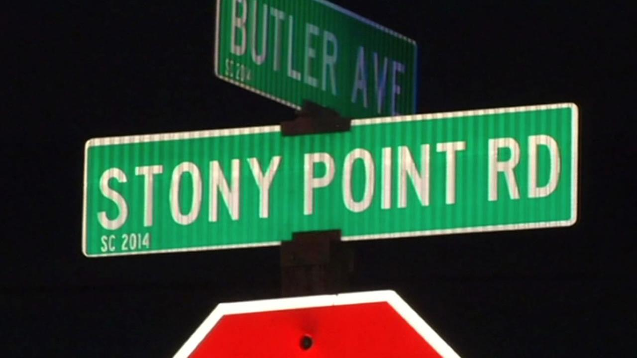 Street sign for Stony Point Road