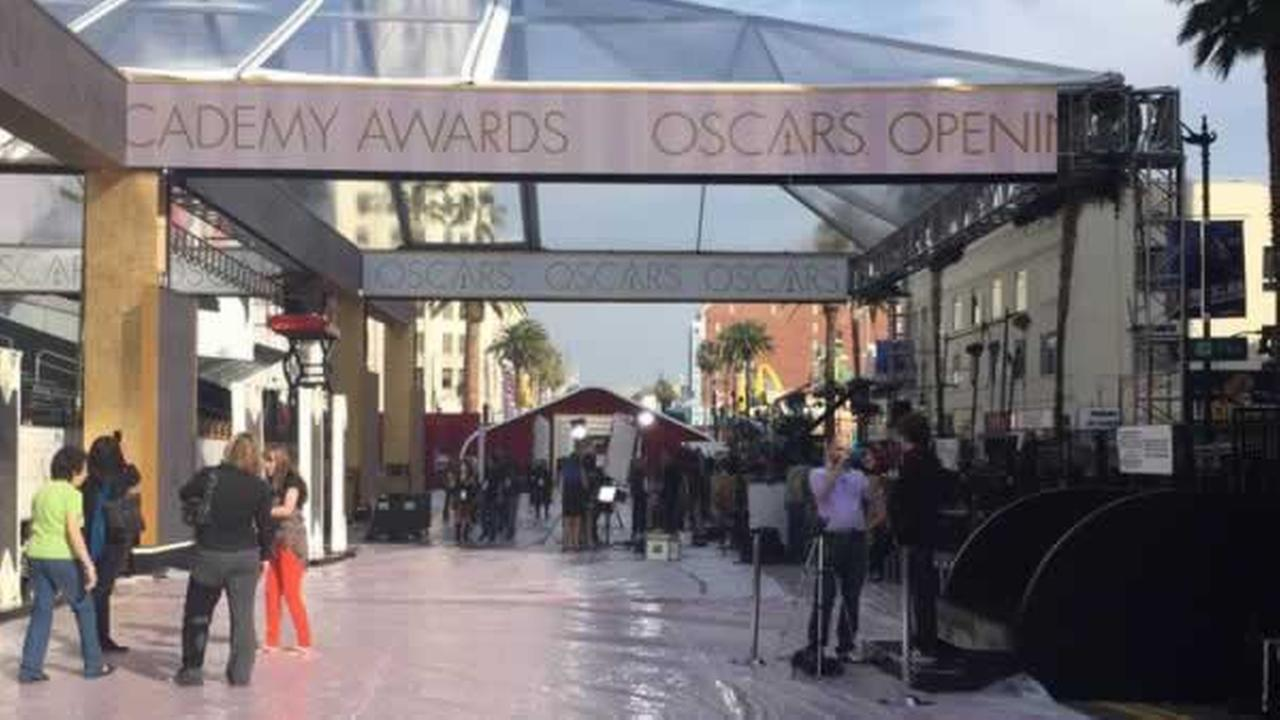 ABC7 News reporter Katie Marzullo is in Hollywood with a behind-the-scenes sneak peek at the Oscars red carpet.