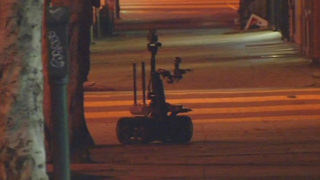 San Francisco bomb squad robot