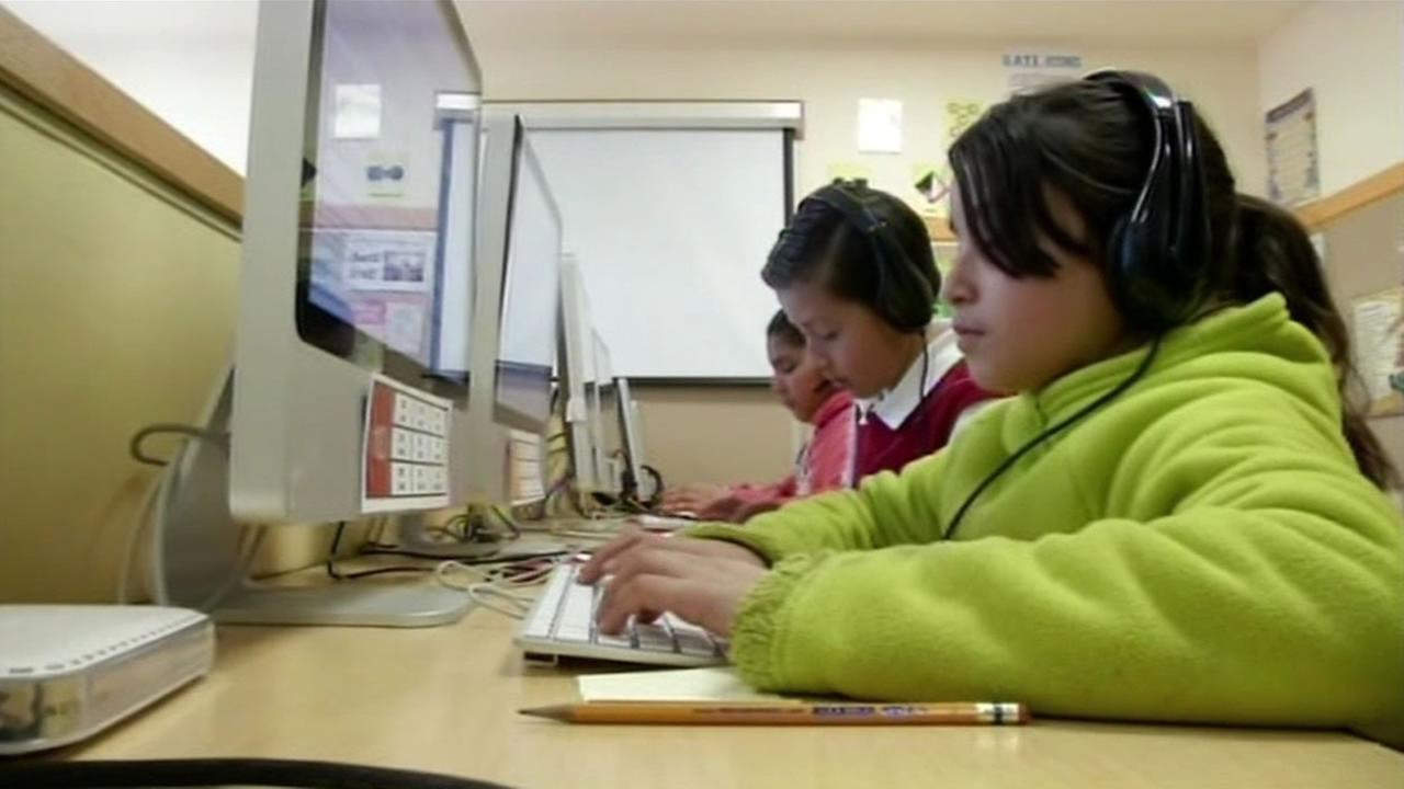 San Francisco school students in computer lab.