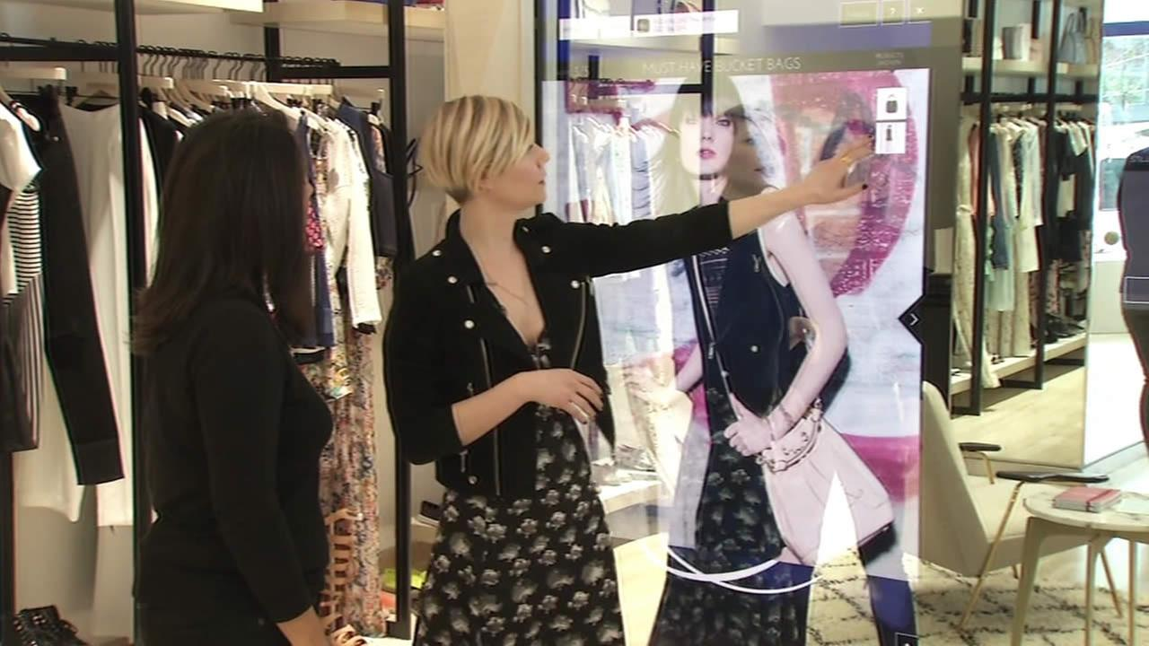 Virtual shopping mirror
