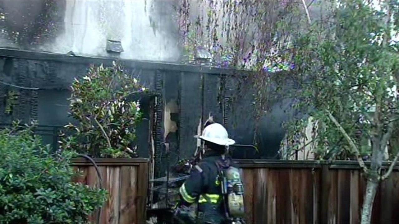 Fire at apartment complex in San Mateo, Friday, May 1, 2015.