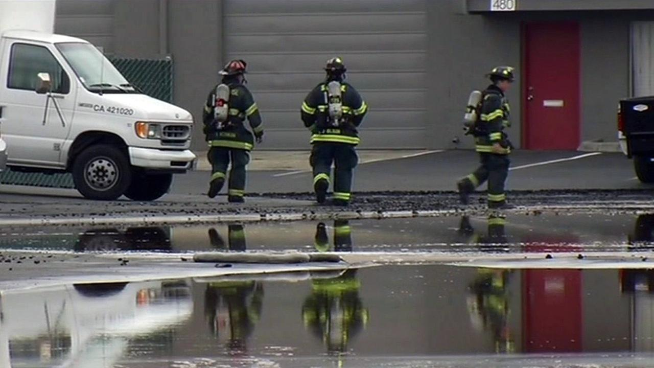 San Jose firefighters continue cleanup from 4-alarm fire at building.