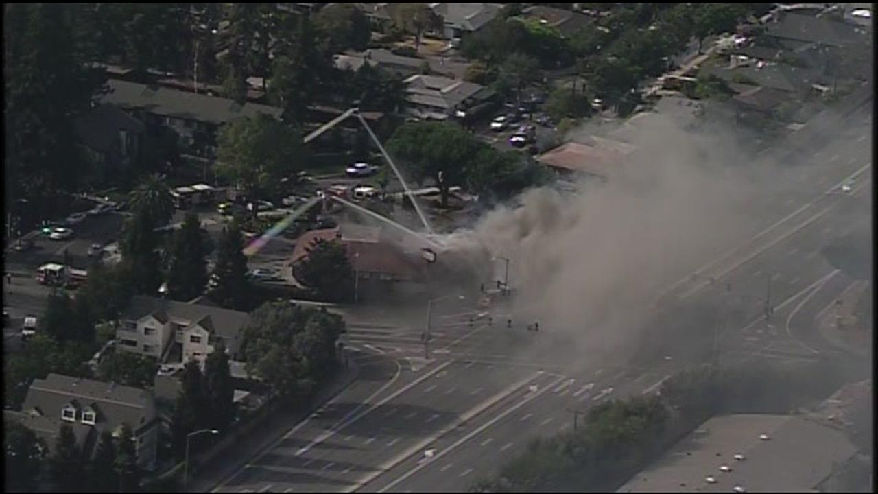 RAW VIDEO: Sky 7 HD over Santa Clara strip mall fire