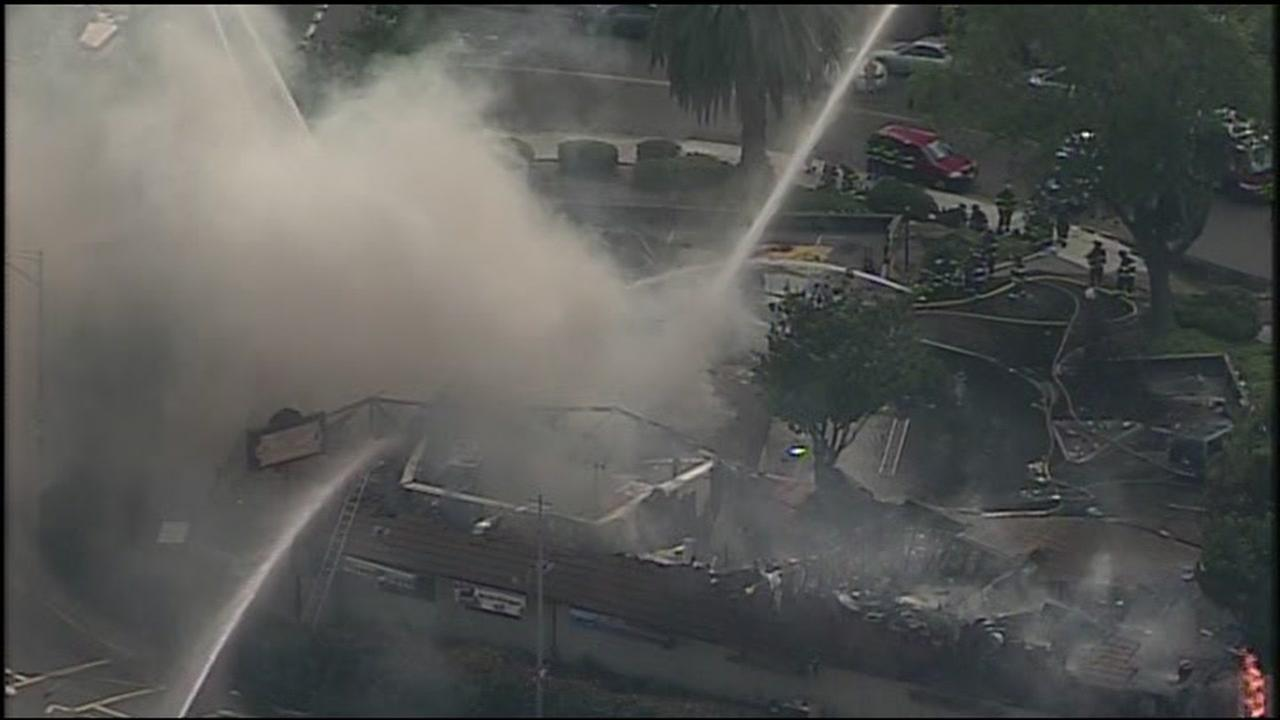 RAW VIDEO: Santa Clara strip mall destroyed