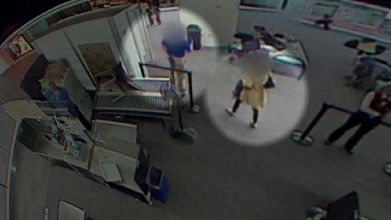 fake TSA agent at SFO