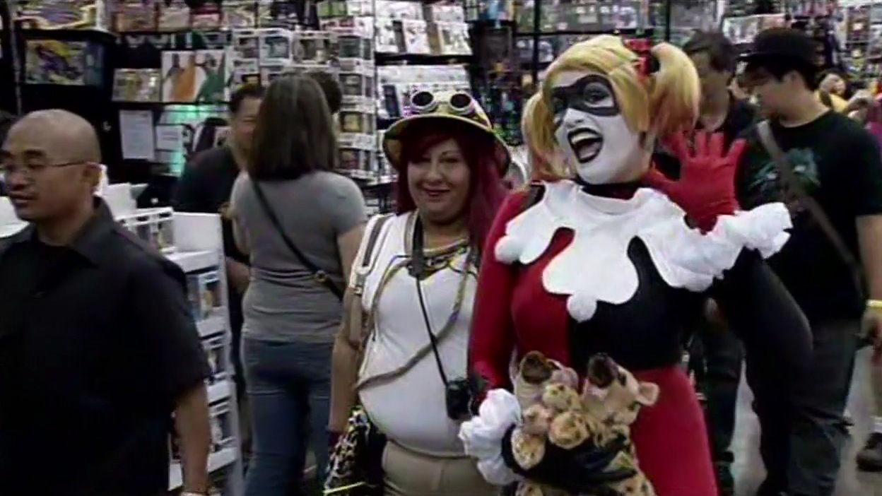 """<div class=""""meta image-caption""""><div class=""""origin-logo origin-image none""""><span>none</span></div><span class=""""caption-text"""">Cosplayers and comic book fans gathered at Wizard World Comic Con in San Jose, Calif. on Saturday, September 5, 2015. (KGO-TV)</span></div>"""