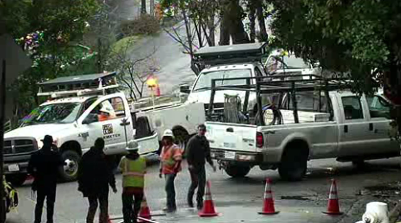 <div class='meta'><div class='origin-logo' data-origin='none'></div><span class='caption-text' data-credit=''>Crews work to repair downed power lines in Berkeley, Calif., on Tuesday, January 19, 2016.</span></div>