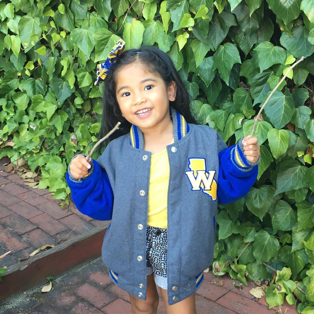 <div class='meta'><div class='origin-logo' data-origin='none'></div><span class='caption-text' data-credit='@evanuimanuia/Instagram'>Warriors fans are showing their Golden State pride by sending their photos to ABC7 with #DubsOn7. Go Warriors!</span></div>