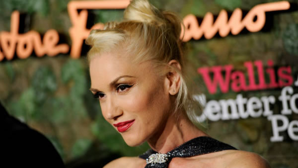 "<div class=""meta image-caption""><div class=""origin-logo origin-image ""><span></span></div><span class=""caption-text"">Gwen Stefani: When the singer's third boy was born earlier this year, her husband tweeted his mouthful of a name: Apollo Bowie Flynn Rossdale.  (Photo/Chris Pizzello)</span></div>"