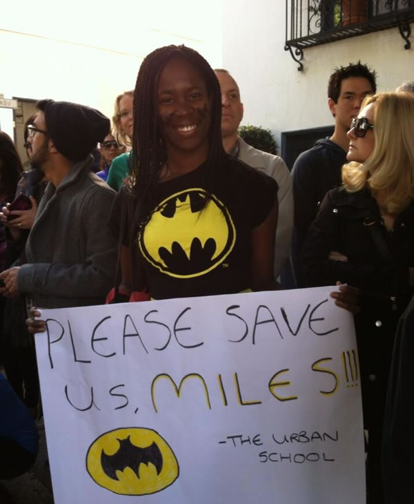 Citizen of &#34;Gotham City&#34; clinging to hope, waiting for Batkid to come and save the day in &#34;Gotham City,&#34; in San Francisco on November 15, 2013. <span class=meta>ABC7 News</span>