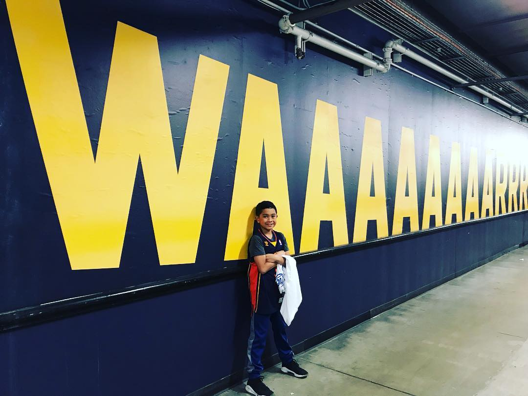 <div class='meta'><div class='origin-logo' data-origin='none'></div><span class='caption-text' data-credit='Photo submitted to KGO-TV by @krist33ne/Instagram'>Warriors fans show their spirit during the 2017-2018 season. Share your photos using #DubsOn7 and you may see them online or on TV!</span></div>