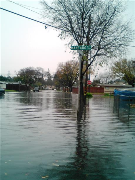 "<div class=""meta image-caption""><div class=""origin-logo origin-image ""><span></span></div><span class=""caption-text"">Flooding in Sunnyvale, Thursday, Dec. 11, 2014 (Photo submitted via uReport) (uReport)</span></div>"