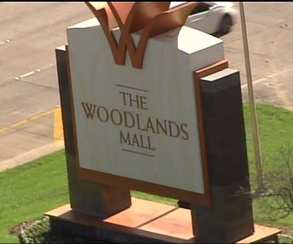 <div class='meta'><div class='origin-logo' data-origin='KTRK'></div><span class='caption-text' data-credit=''>Search for suspects in The Woodlands Mall jewelry robbery</span></div>