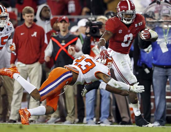 "<div class=""meta image-caption""><div class=""origin-logo origin-image ap""><span>AP</span></div><span class=""caption-text"">Alabama's Bo Scarbrough runs for a touchdown during the first half of the NCAA college football playoff championship game against Clemson. (AP Photo/John Bazemore) (AP)</span></div>"