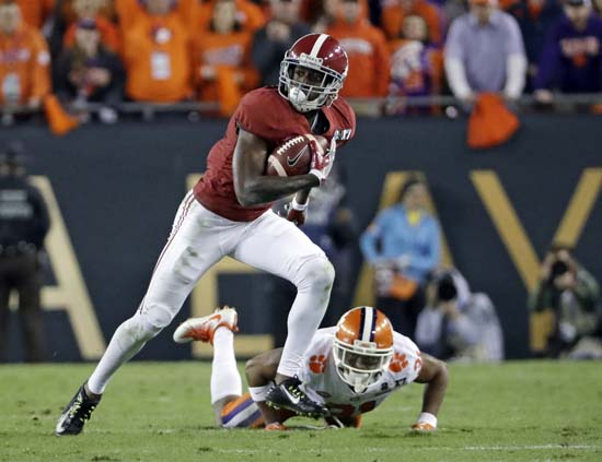 "<div class=""meta image-caption""><div class=""origin-logo origin-image ap""><span>AP</span></div><span class=""caption-text"">Alabama's Calvin Ridley catches a pass during the first half of the NCAA college football playoff championship game against Clemson. (AP Photo/David J. Phillip) (AP)</span></div>"