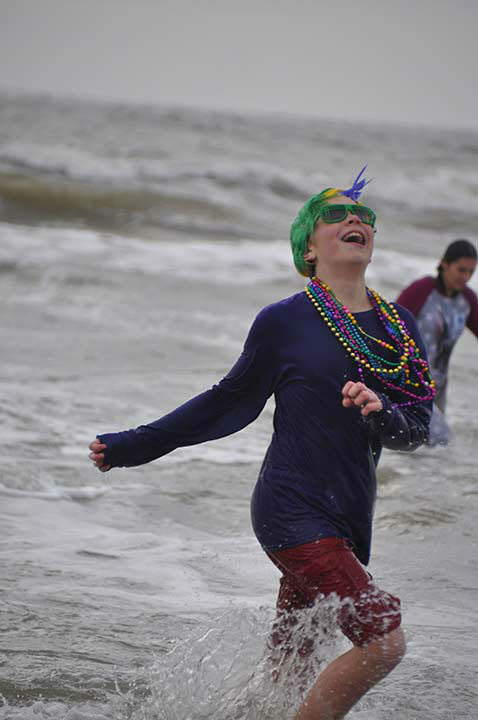 <div class='meta'><div class='origin-logo' data-origin='none'></div><span class='caption-text' data-credit='KTRK Photo/ Gina Larson'>Supporters, friends and family took the Polar Plunge to benefit Special Olympics Texas at Galveston's Stewart Beach on Saturday, January 16, 2016.</span></div>